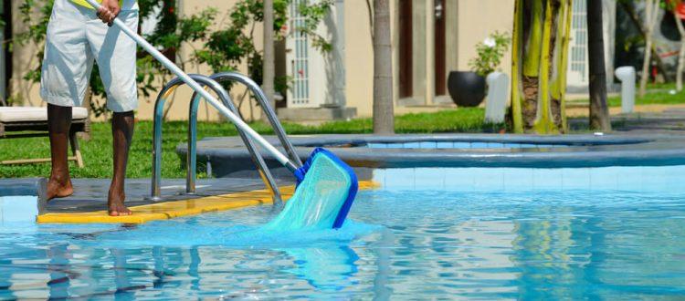 32502-conheca-as-5-melhores-dicas-de-como-limpar-uma-piscina-750x330